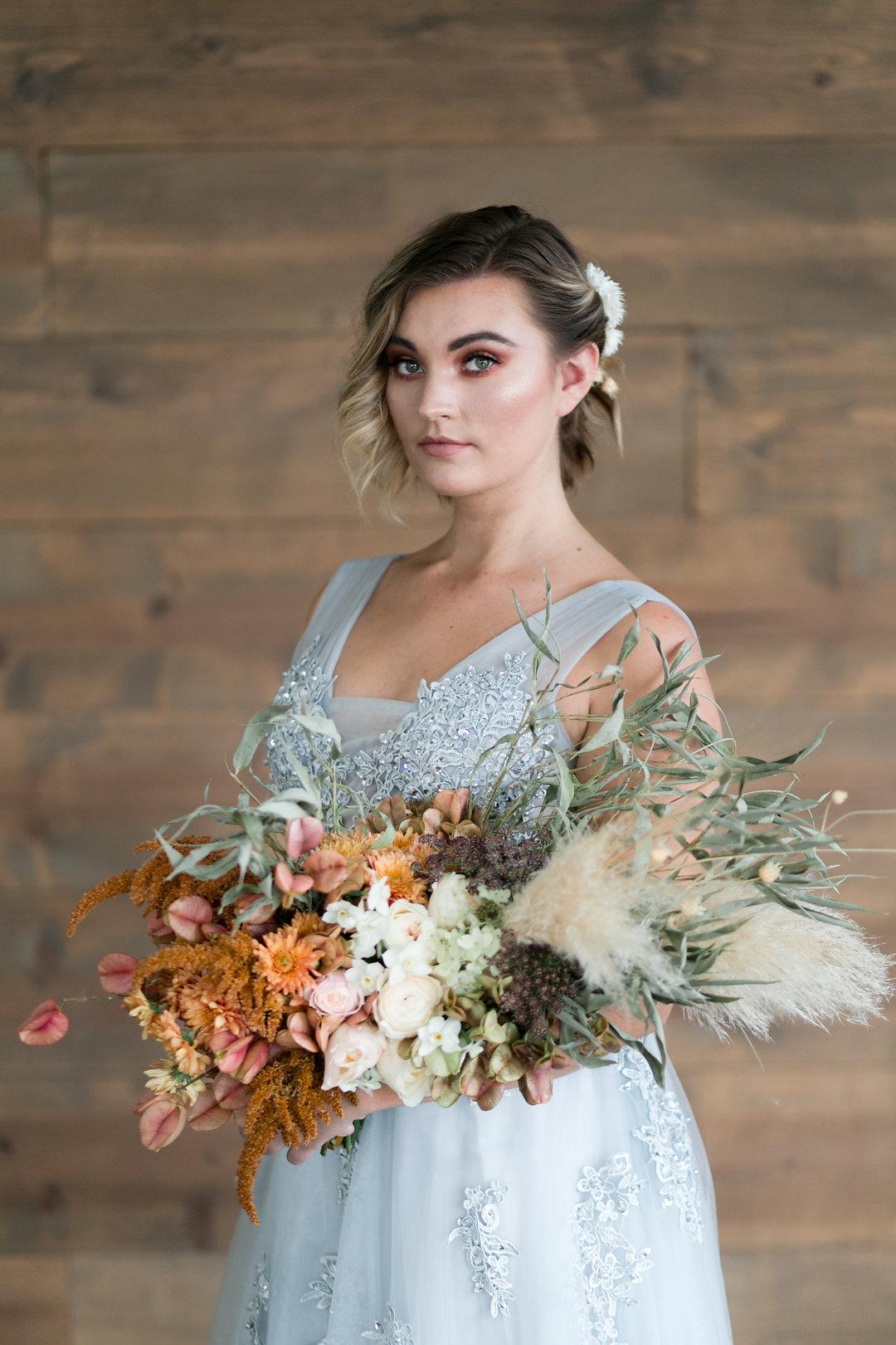 Installation_Florals_Fall_Texture_Sibyl_Sophia_Bouquet.jpg