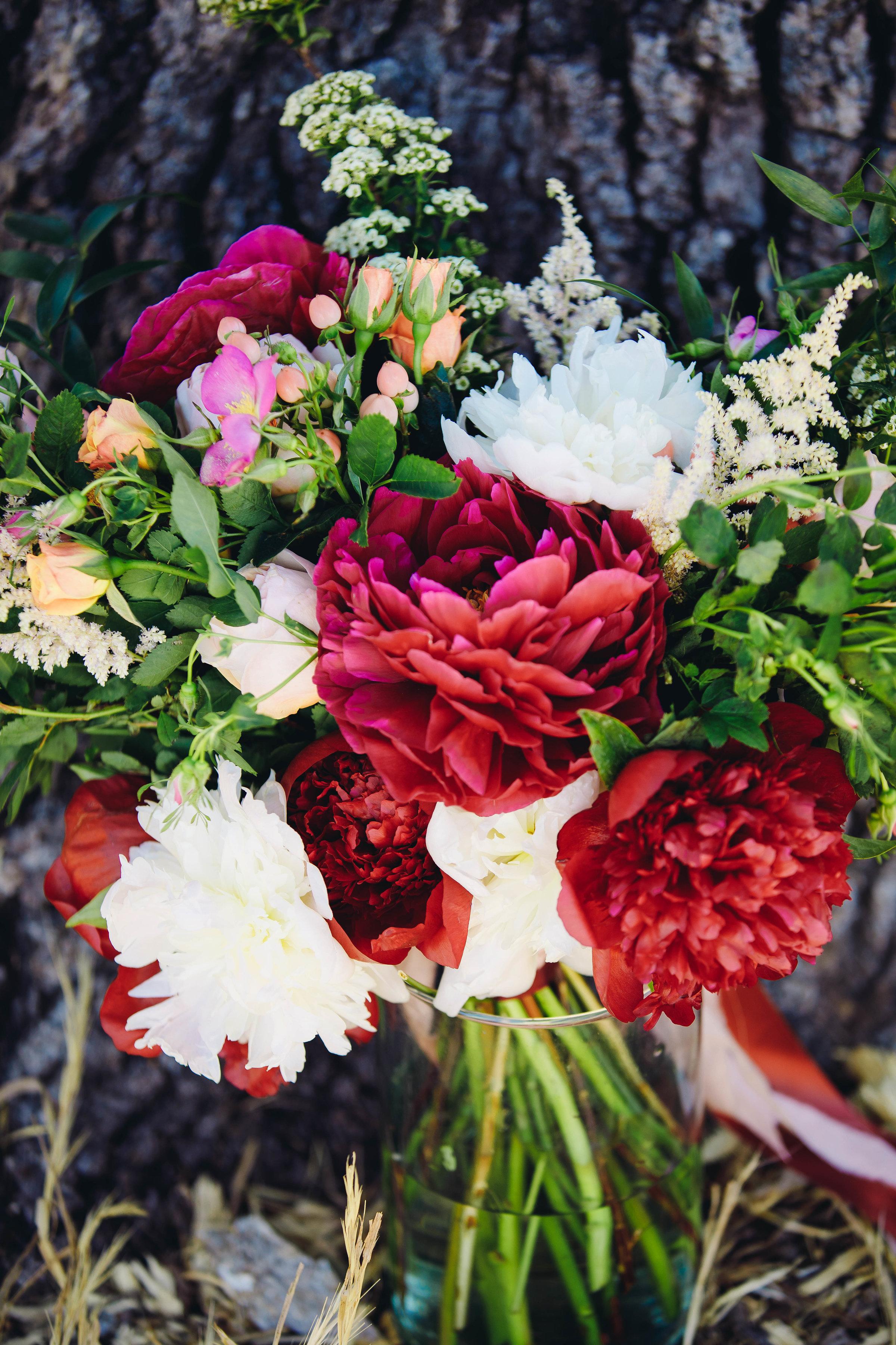 Lush_Florals_Peony_Sibyl_Sophia_Bouquet.jpg