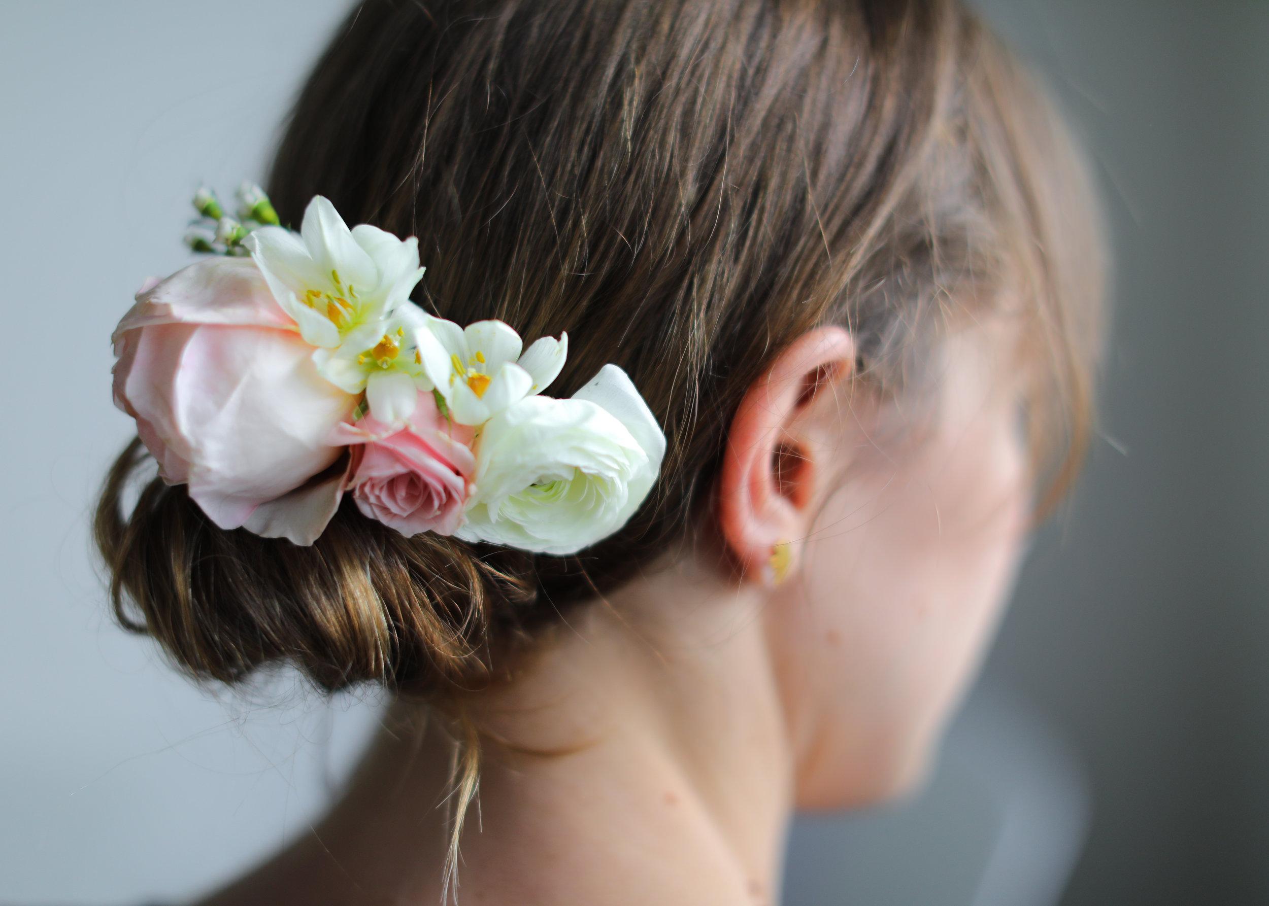 SibylSophia_Floral_Comb_Bridal.jpg