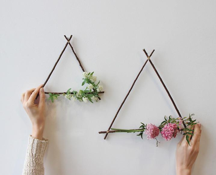 CHALKBOARD_Valentine's_Day_Florals_Sibyl_Sophia_DIY_Flower_Wreath.jpg