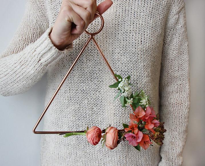 CHALKBOARD_Valentine's_Day_Florals_Sibyl_Sophia_DIY_Flowers.jpg