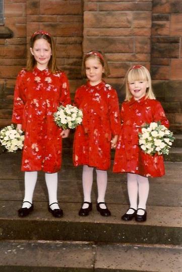 wedding-red-dresses-flower-girls.jpeg