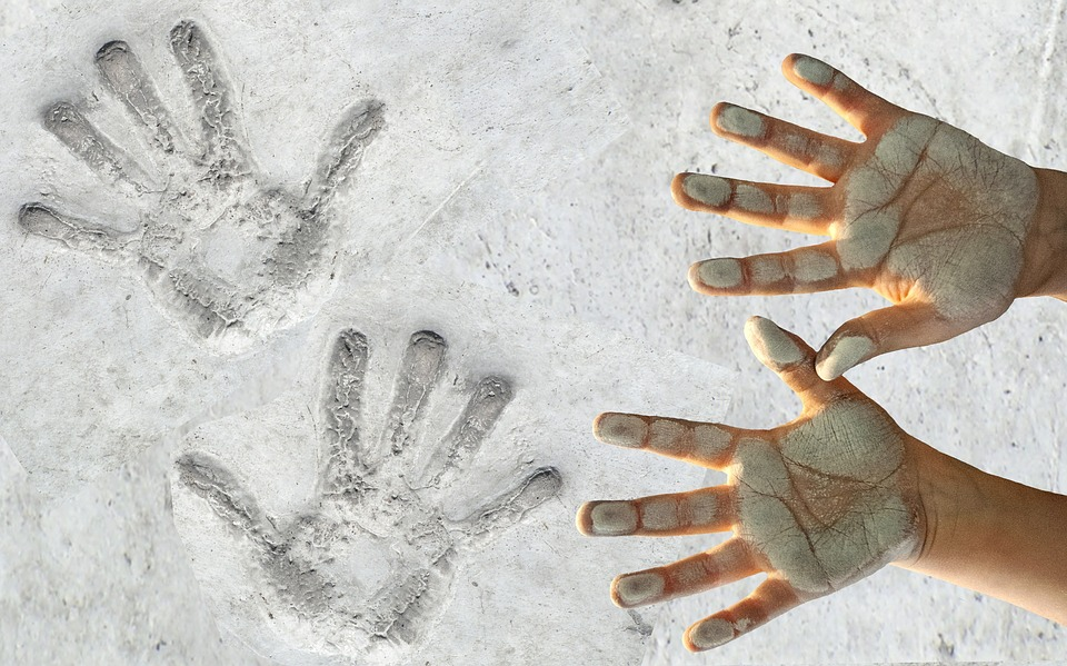 hands-2851950_960_720.jpg
