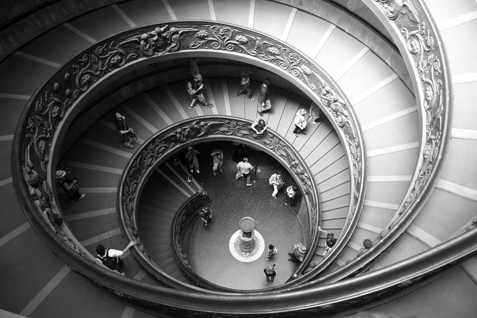 spiral-staircase-423345_960_720.jpg