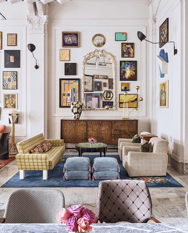 Interior goals!! Picture from @archdigest taken at the @properhotelsandresidences and designed by @kellywearstler ! 🤩💫👌🏻#eclecticdecor #vintageinterior #artwall