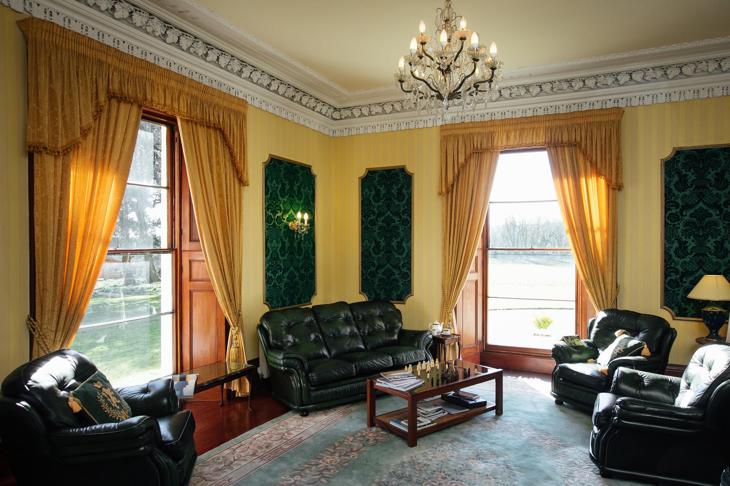 Elm Grove Country House-lounge 3.jpg