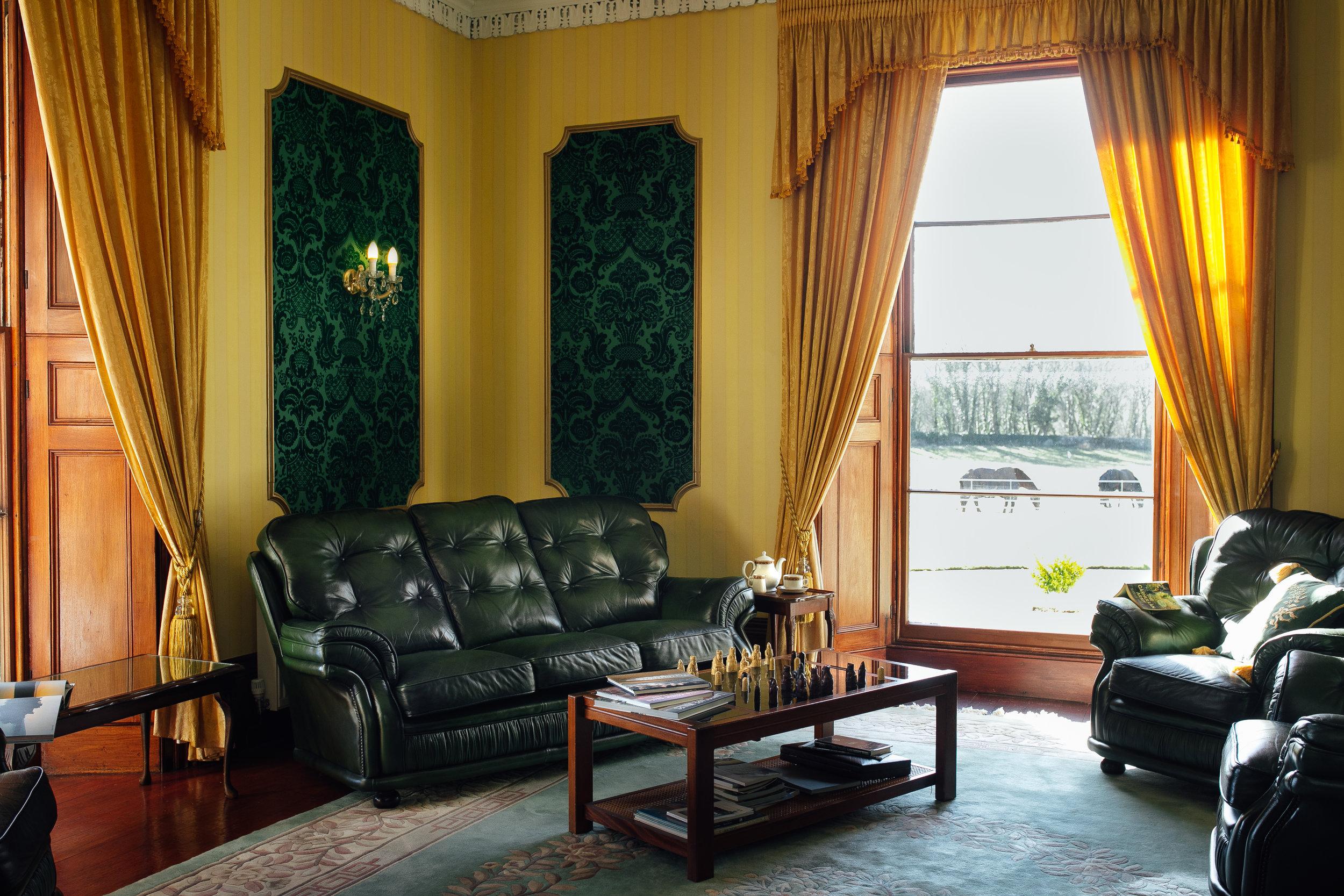 Elm Grove Country House-lounge 1.jpg