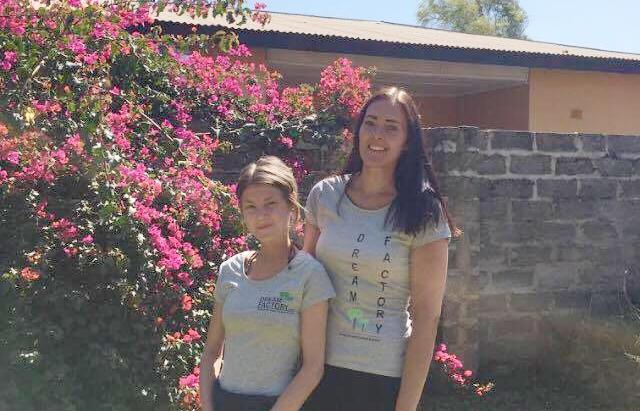 Julie&Louise.jpg