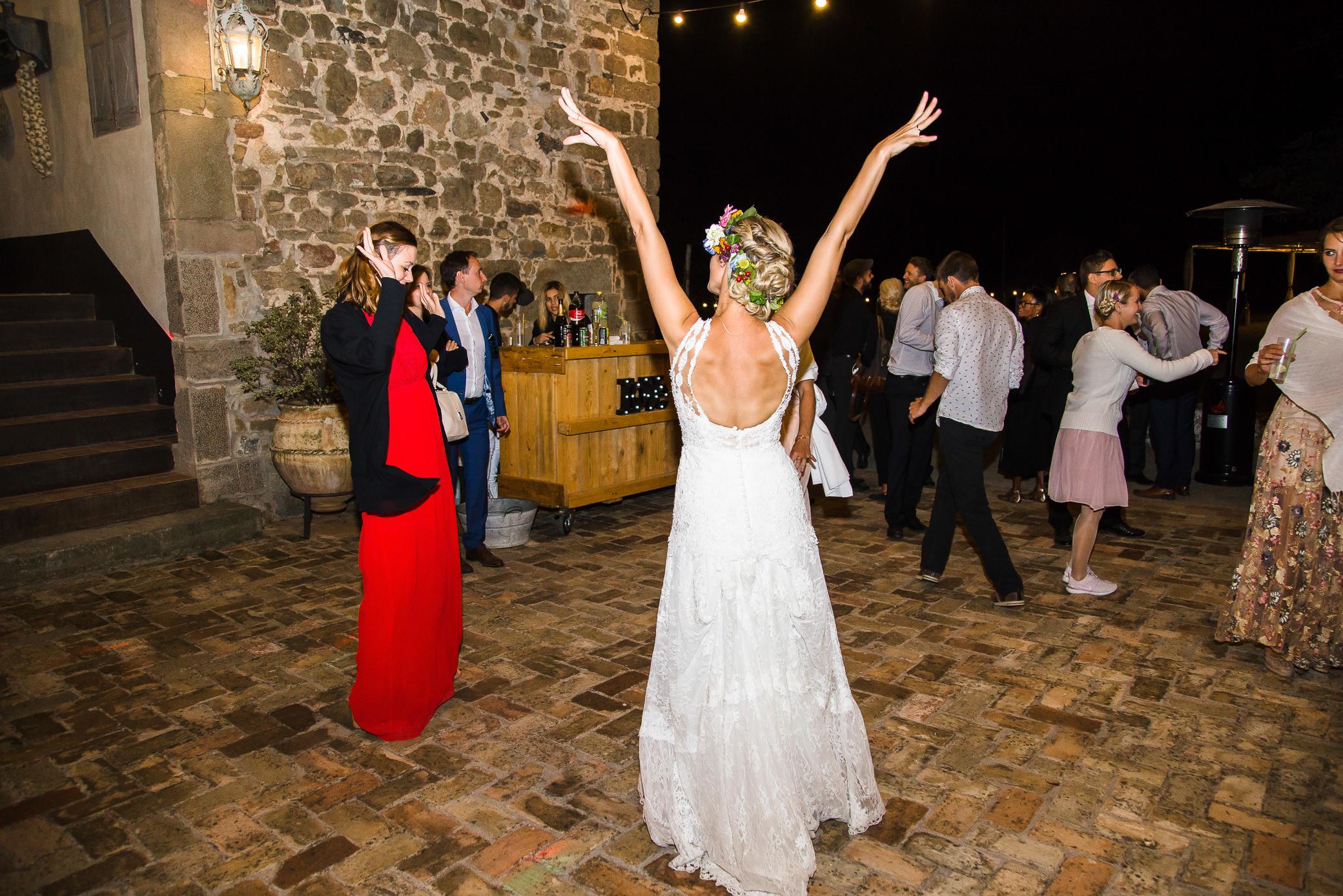 boda-olot-mas-can-batlle-destination-wedding-photografeel-79.jpg