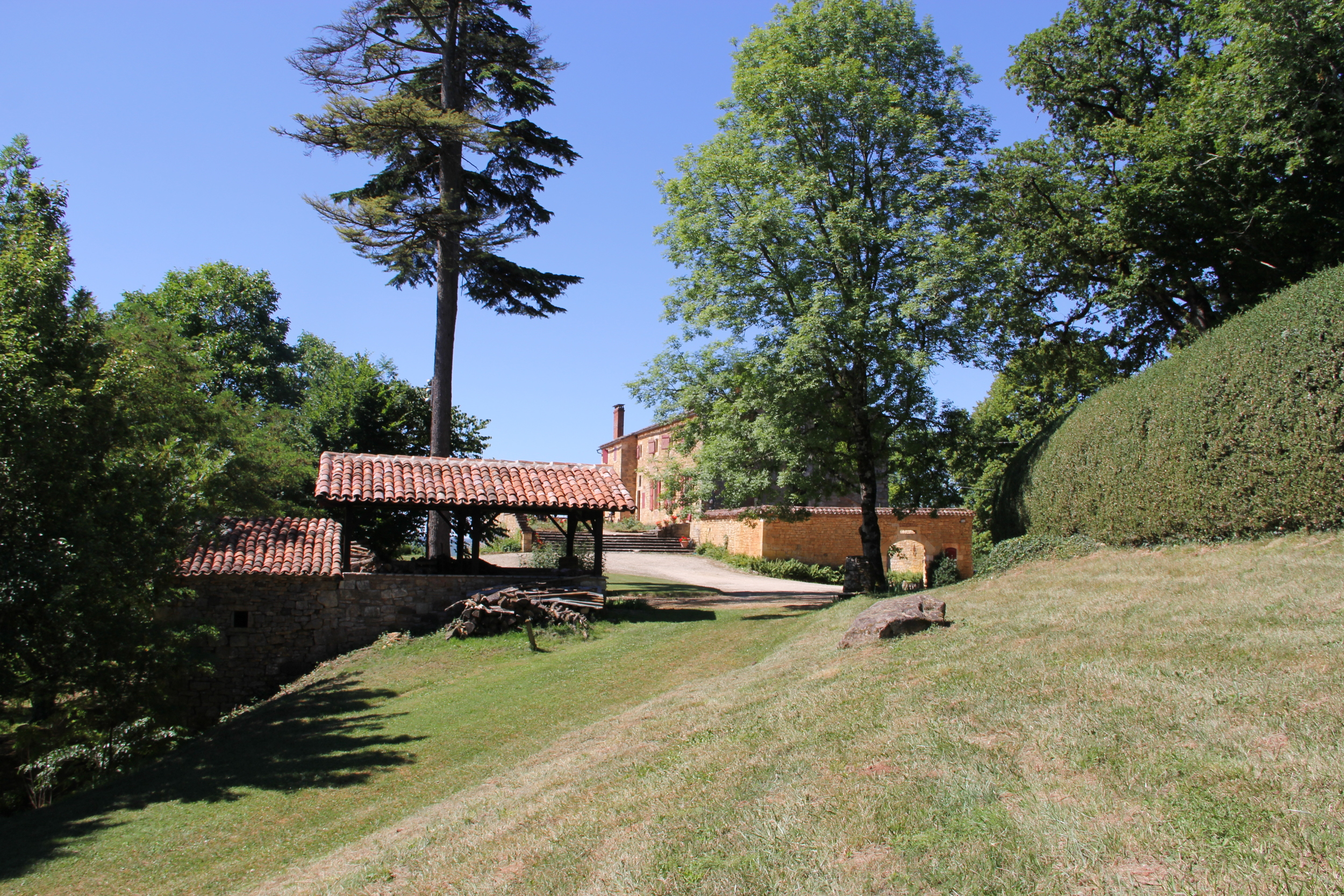 Spacious chateau grounds