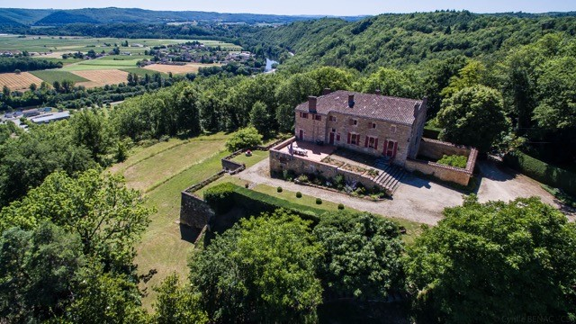 Aerial photo of the chateau