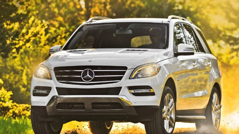 2014-mercedes-benz-ml350-bluetec-4matic-front-end-in-motion-offroad.jpg