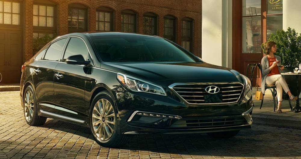 2017-Hyundai-Sonata-front-view-black-color-headlights-and-grille.jpg