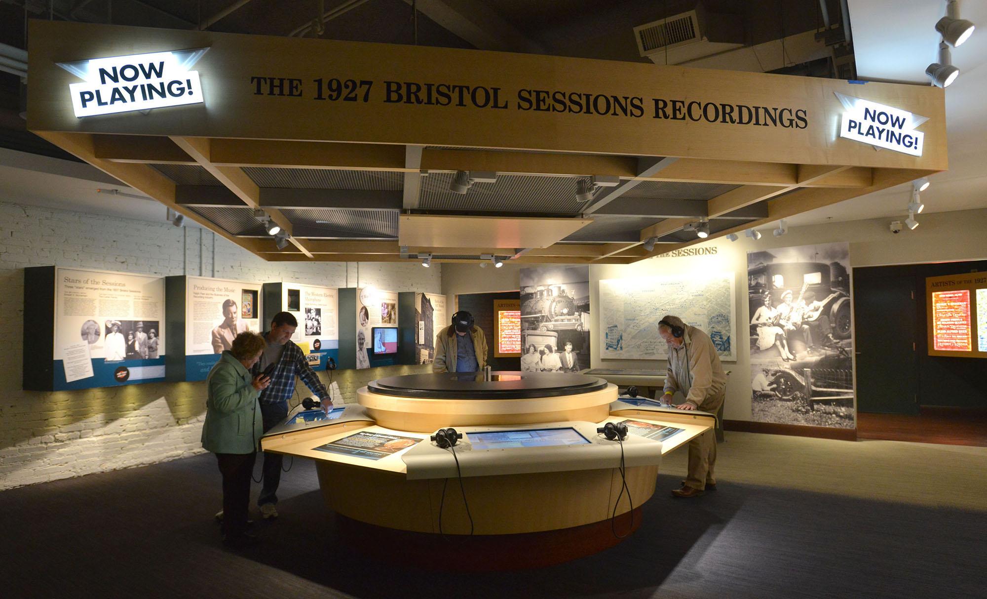 MUSIC LISTENING STATION ( Earl Neikirk, Bristol Herald Courier/Tricities.com )