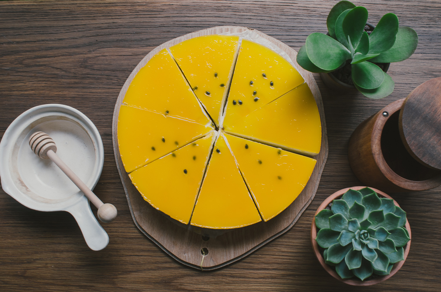 Passion Fruit Cheesecake   16cm: 470.000 VND   18cm: 500.000 VND