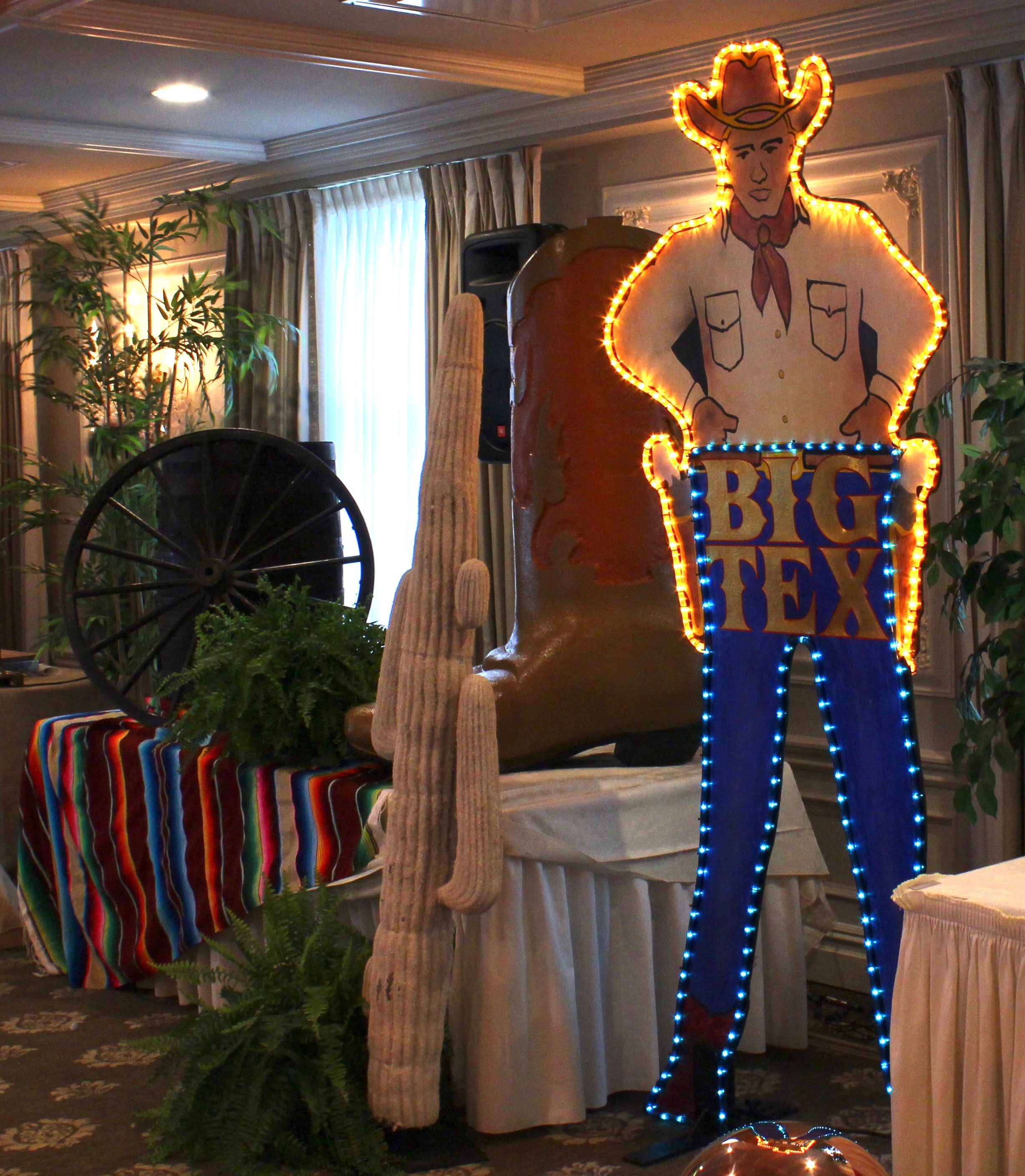 american+rodeo+themed+props+decor+rentals+nj+ny+pa+eggsotic+events.jpeg