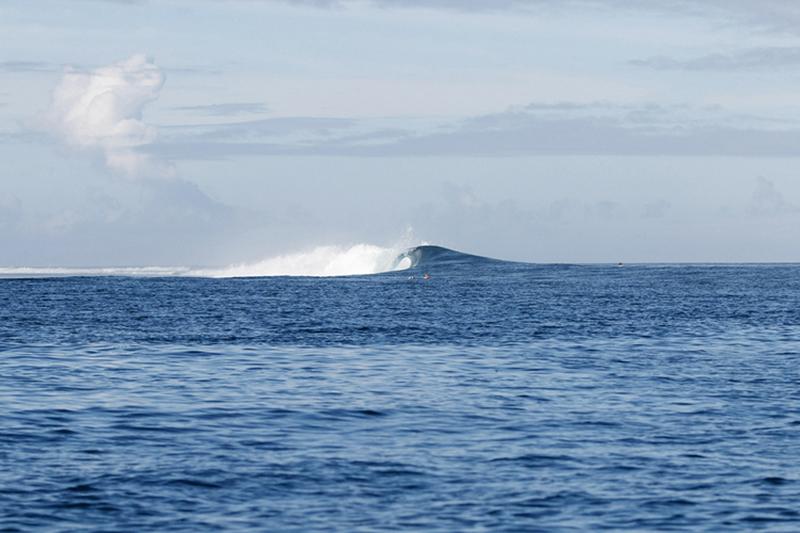 @captainbarto-@captainscamera-waves-book1-001.jpg