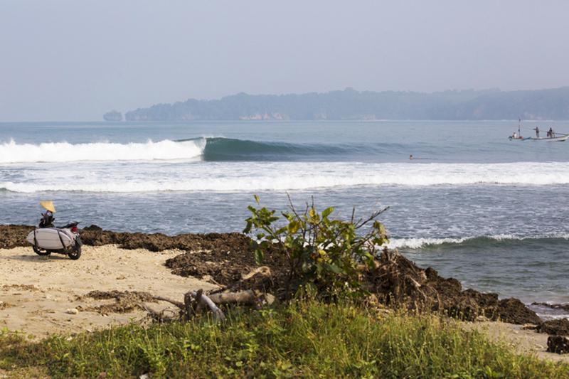 @captainbarto-@captainscamera-waves-book1-002.jpg