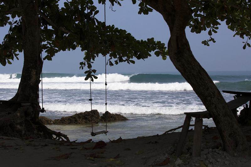 @captainbarto-@captainscamera-waves-book1-003.jpg