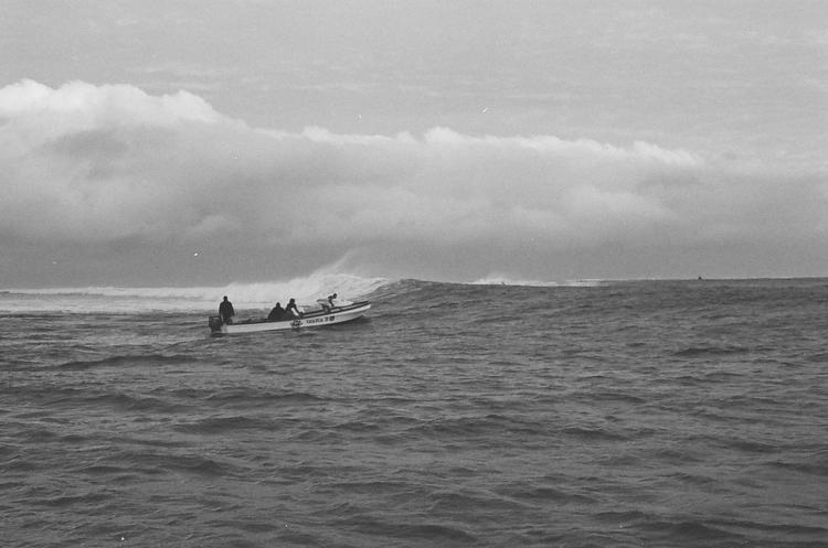 @captainbarto-@captainscamera-waves-book3-008.jpg