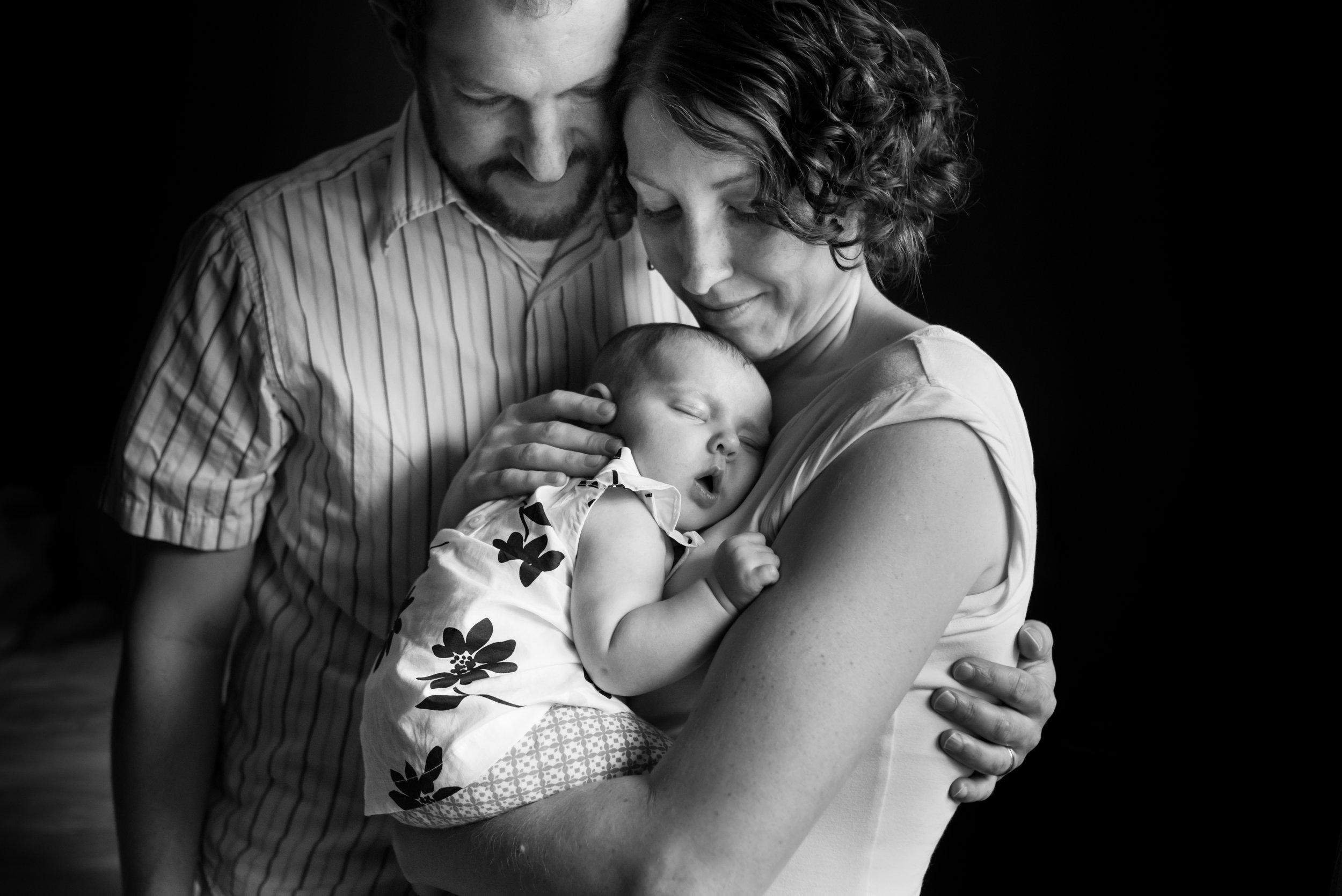 JuliaMatthewsPhotography_MadisonWisconsinFamilyPhotography_Newborn-11.jpg