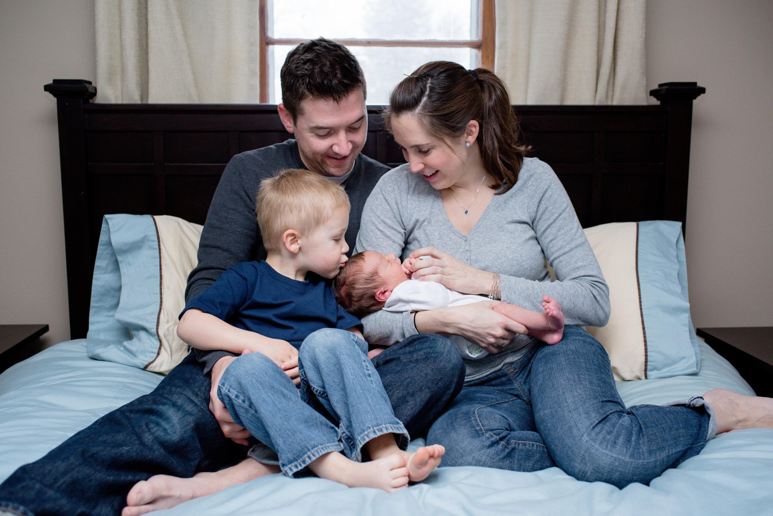 JuliaMatthewsPhotography_MadisonWisconsinFamilyPhotography_Newborn-10.jpg