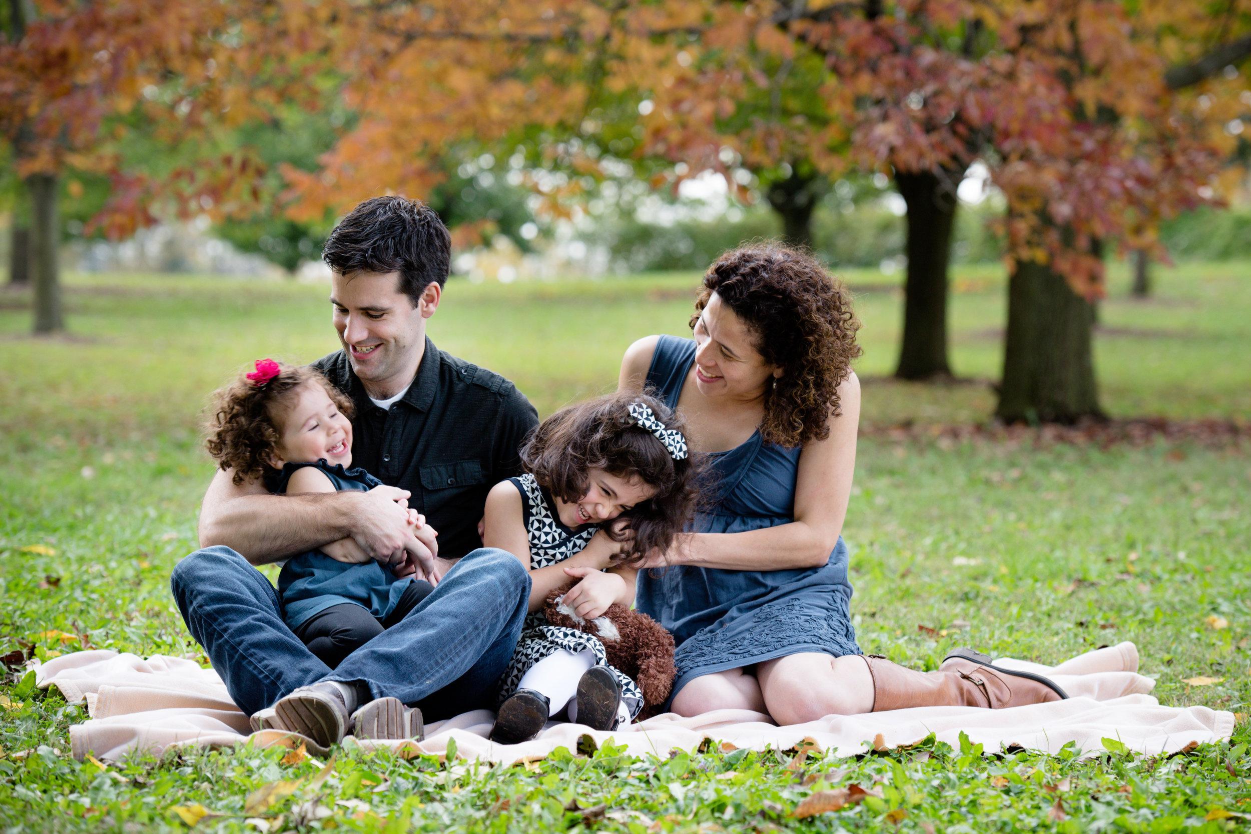 JuliaMatthewsPhotography_MadisonWisconsinFamilyPhotography_Families-8.jpg