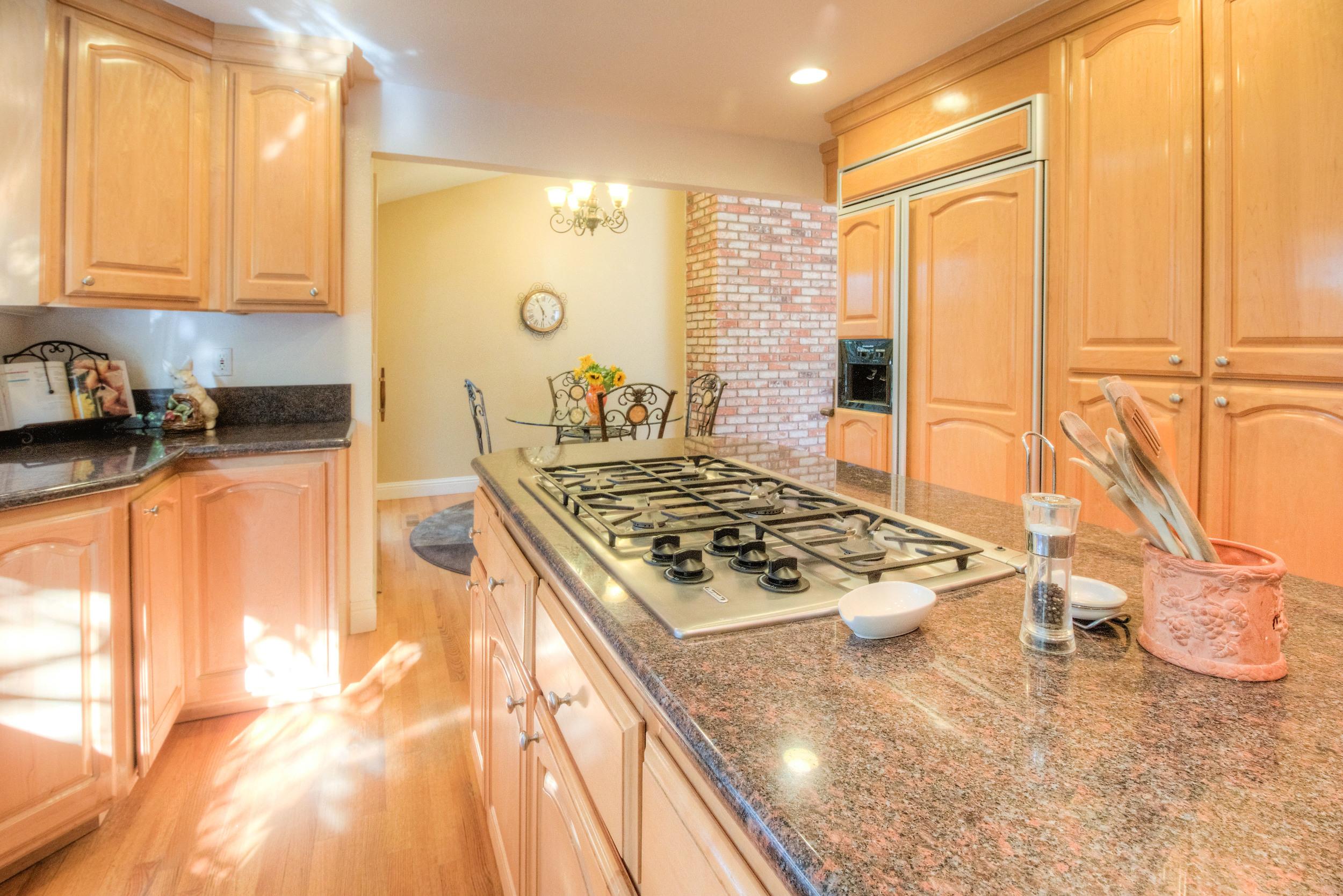 Firewood Kitchen3.jpg
