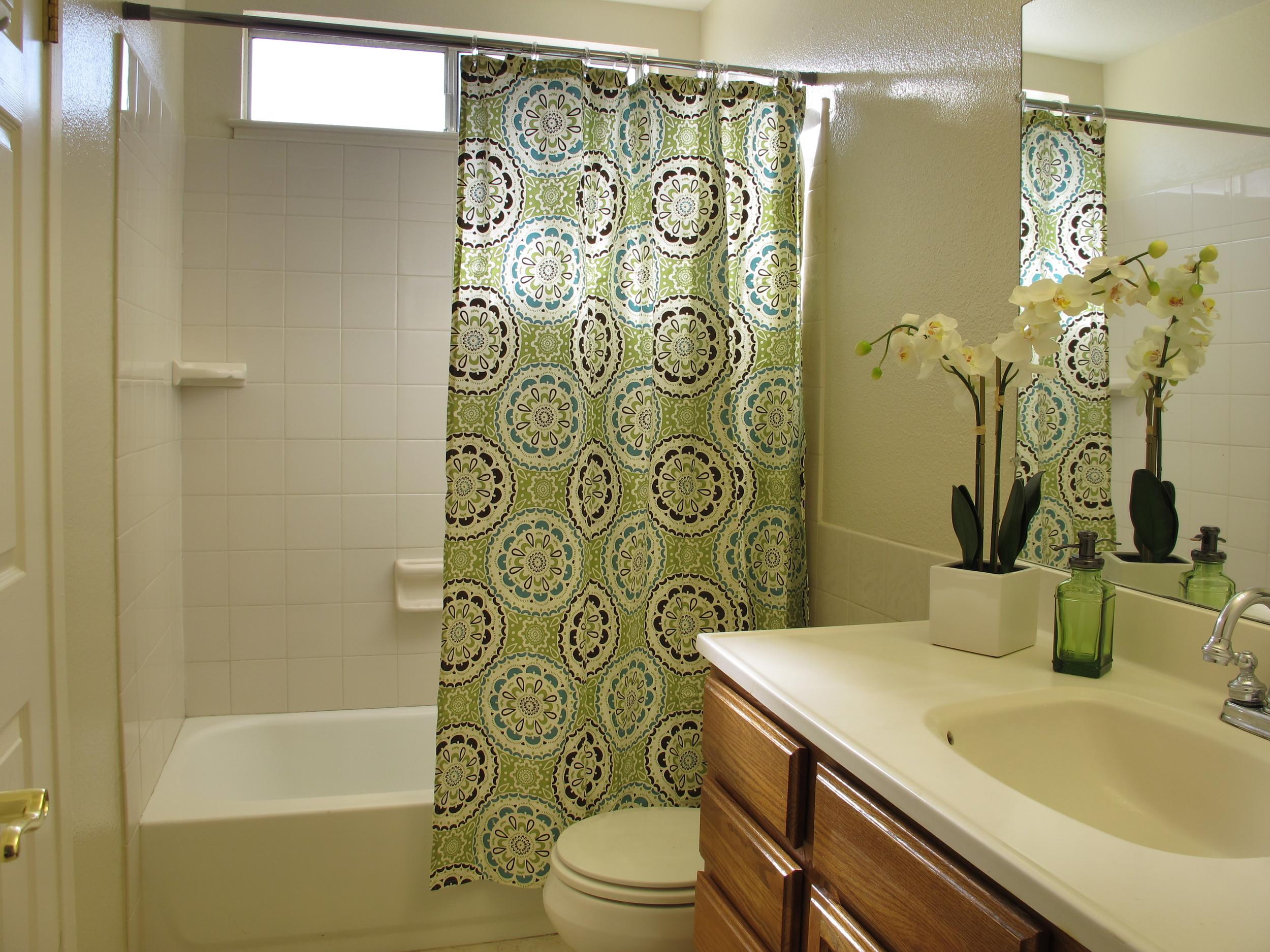 Moselle Bathroom.JPG
