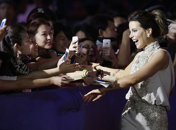 #KateBeckinsale for Launch Ceremony Qingdao #HairBy #SaschaBreuer