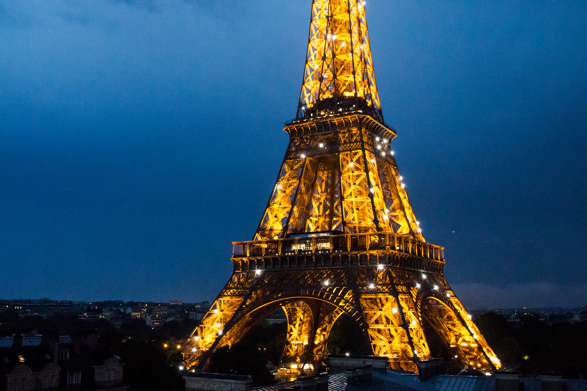Paris_TourEiffel-nuit.jpg