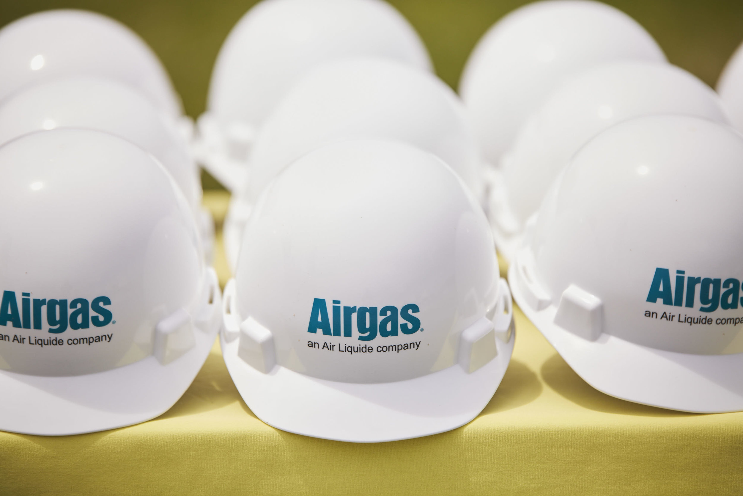 36687 - Airgas Ribbon Cutting - 05.23.17 - BRS.jpg