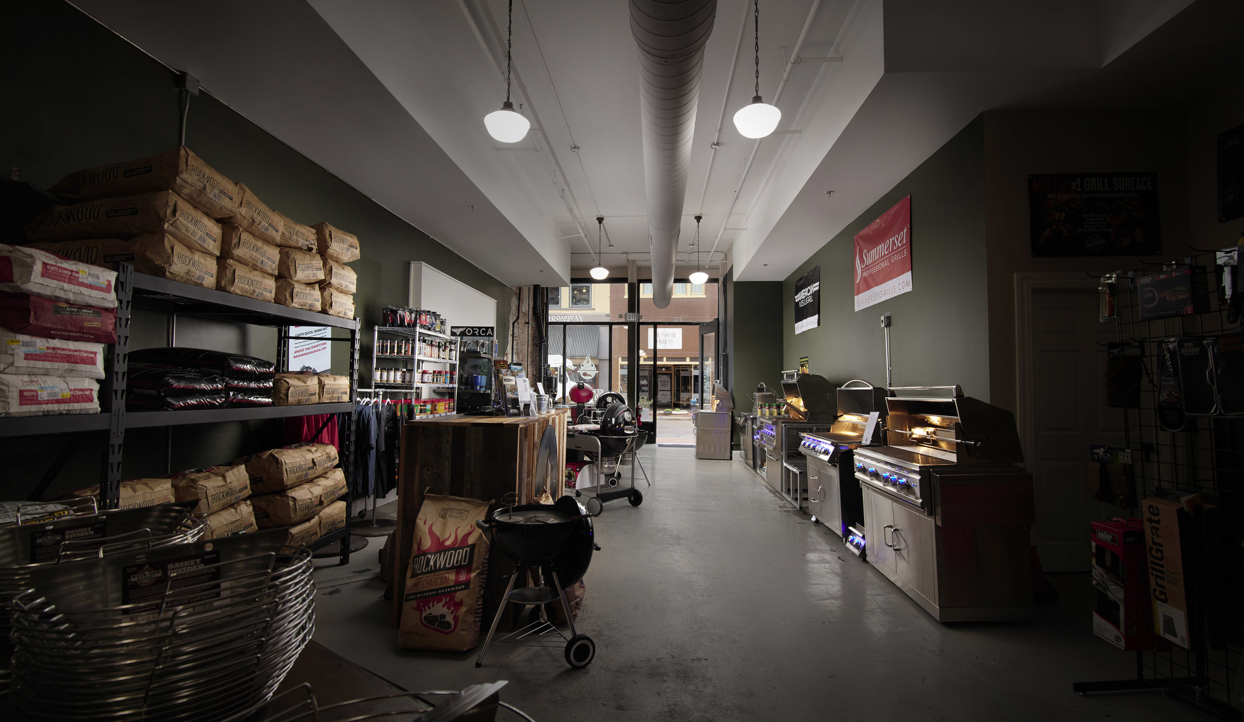 005 - _Final - Interior 1 - 5593 - KY BBQ Supply 2019 - BRS.jpg