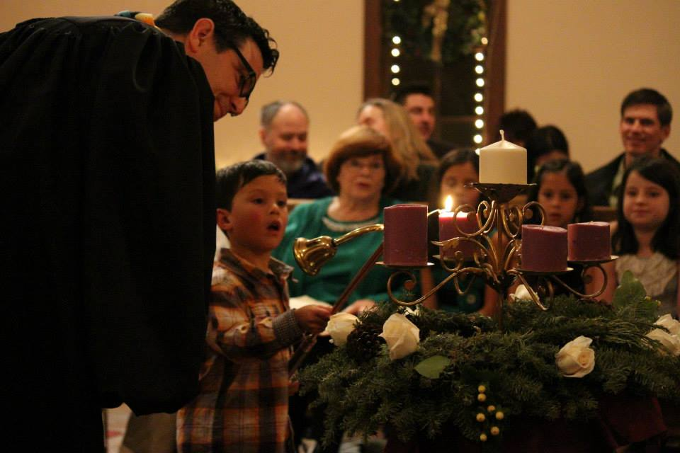 Advent Wreath Lighting 2013.jpg