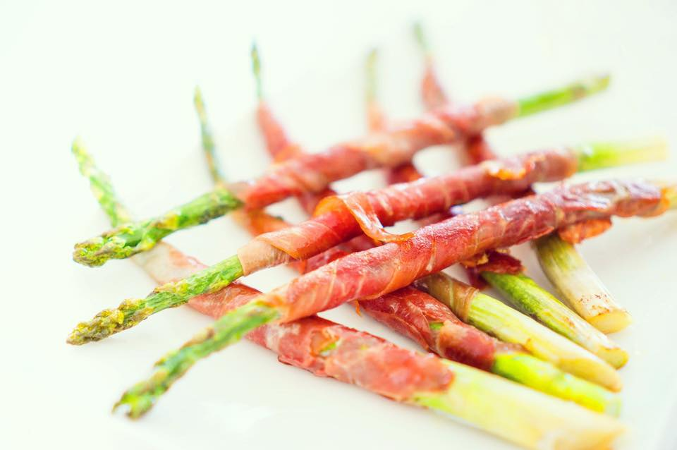Low Carb Keto Prosciutto Wrapped Asparagus