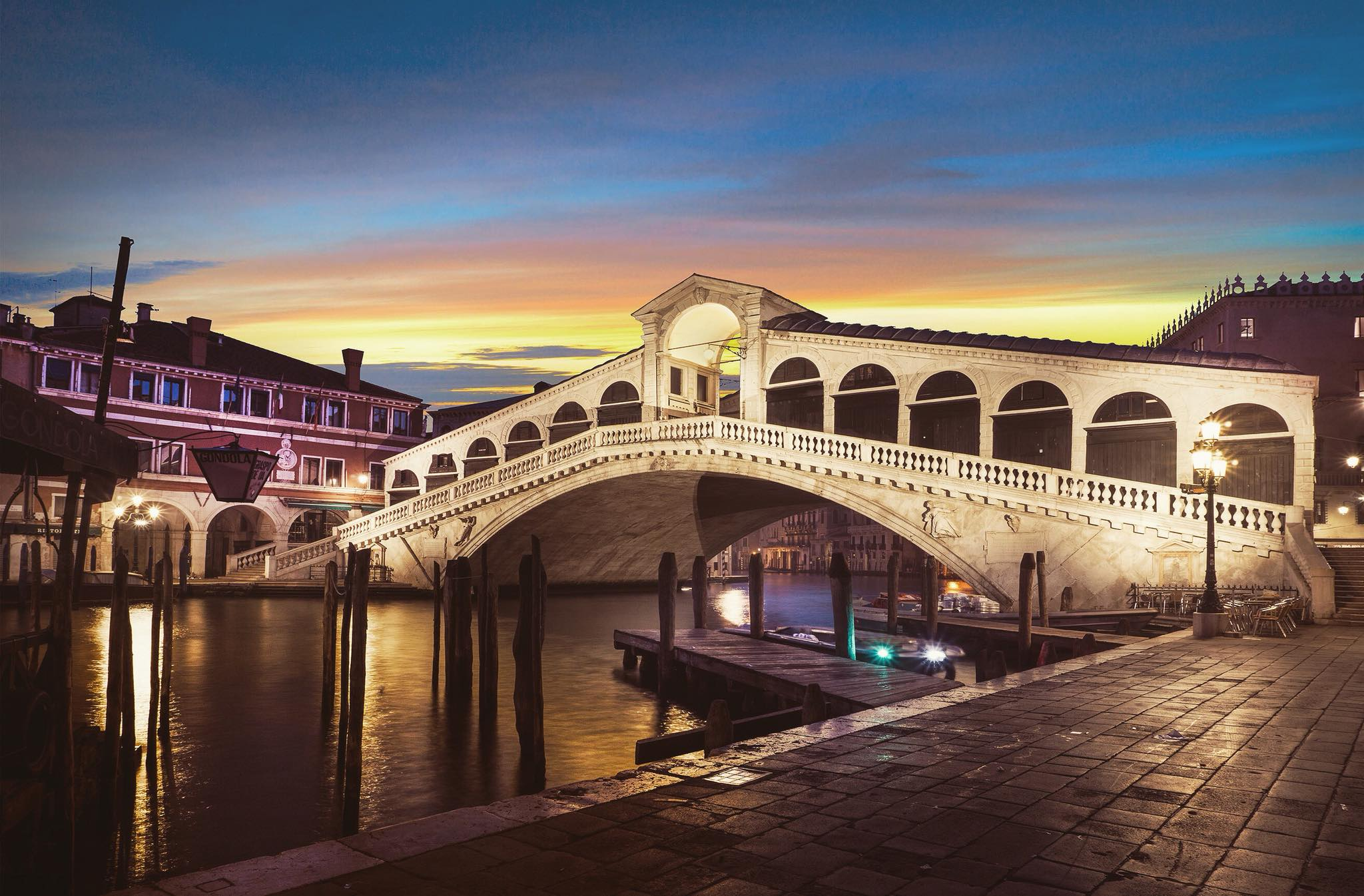 Dawn on the Rialto Bridge