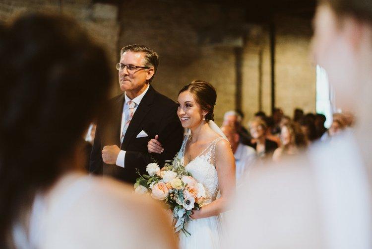 wisconsin-florist-lageret-wedding-bride-father.jpg