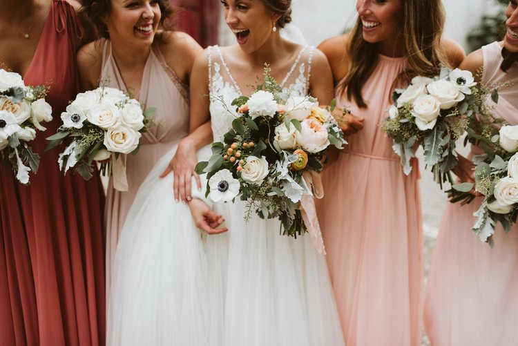 wisconsin-florist-lageret-wedding-bouquets.jpg