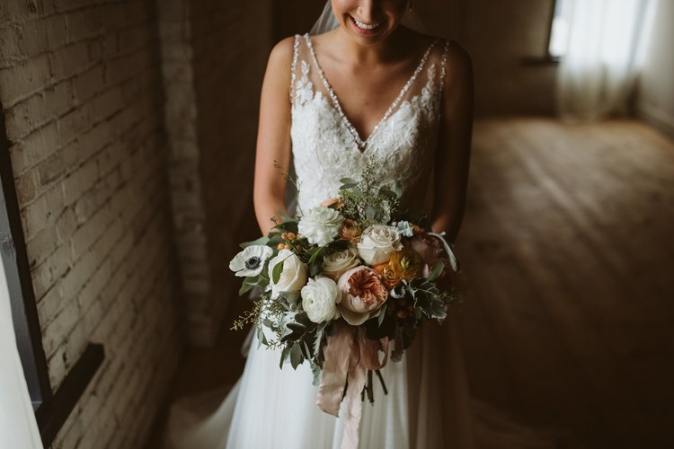 wisconsin-florist-lageret-wedding-bridal-bouquet.jpg