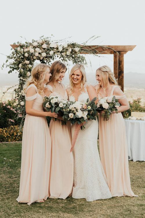 1209-creative-florist-romantic-copperwynd-wedding-arizona-bride-bridesmaids-bouquets.jpg