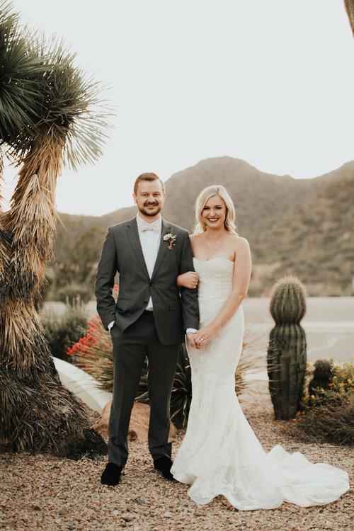 1209-creative-florist-romantic-copperwynd-wedding-arizona-bride-groom-first-look.jpg