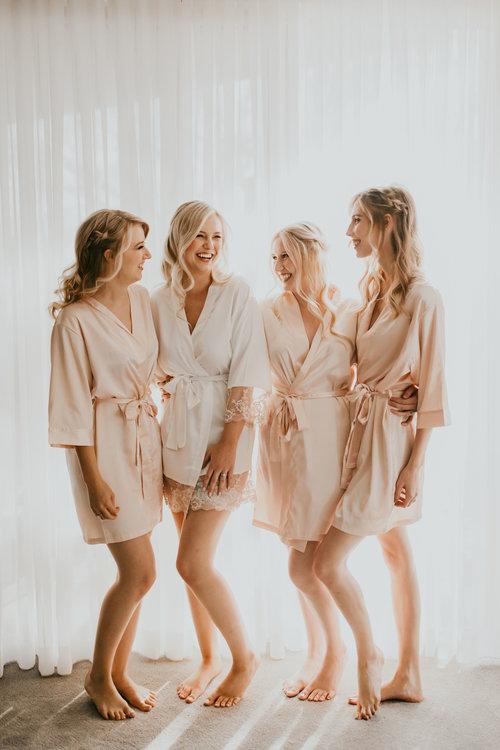 1209-creative-florist-copperwynd-wedding-arizona-bridesmaids-getting-ready.jpg
