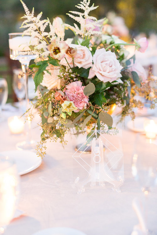 1209-creative-el-chorro-wedding-florist-arizona-reception-table-centerpiece.jpg