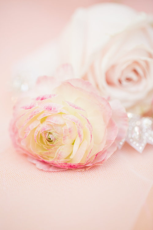 1209-creative-el-chorro-wedding-florist-arizona-pink-ranunculus.jpg