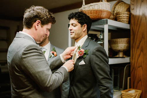 1209-creative-wedding-florist-madison-wi-groom-boutonniere.jpg