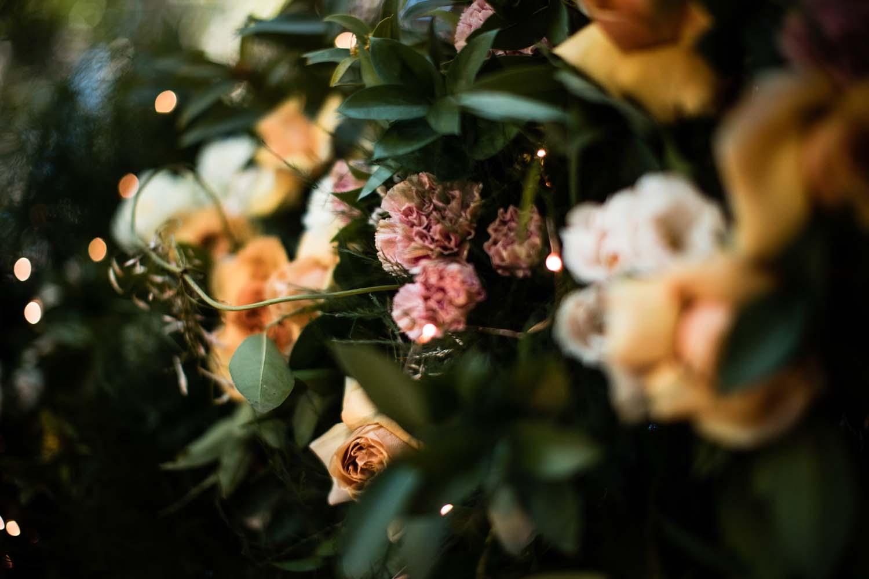 1209-creative-wedding-florist-madison-wisconsin-ceremony-arch.jpg