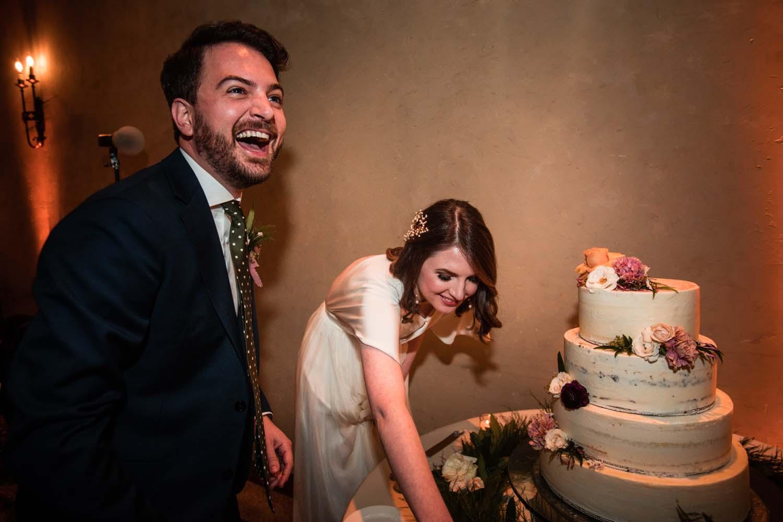1209-creative-wedding-florist-madison-wisconsin-reception-wedding-cake.jpg