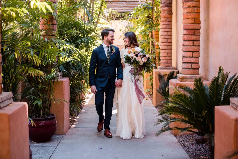 1209-creative-wedding-florist-madison-wisconsin-bride-groom-bouquet.jpg