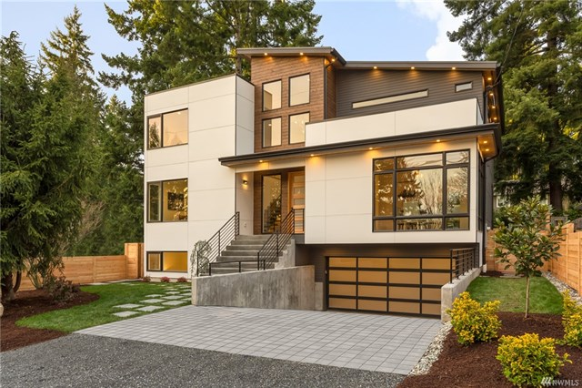 <p><strong>1910 NE 107th St, Seattle</strong>Sold for $1.625M, Represented Seller</p>