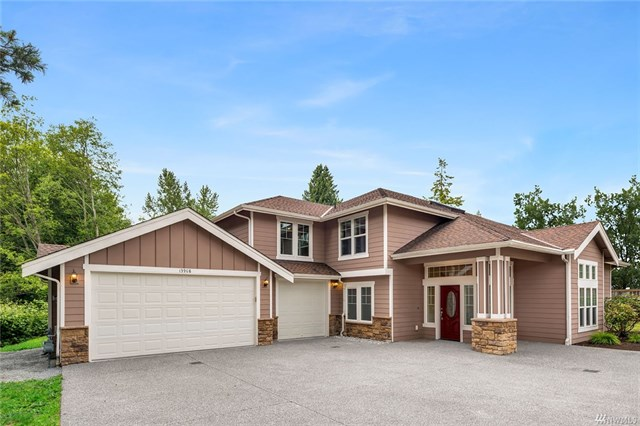 <p><strong>13908 Beverly Park Rd, Lynnwood</strong>Sold for $650,000, Represented Seller</p>